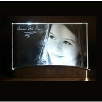 plaque de verre sur socle lumineux